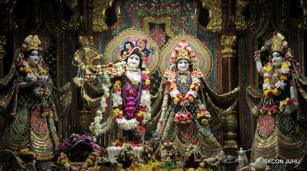 ISKCON Juhu Sringar Deity Darshan on 28th May 2016 (7)