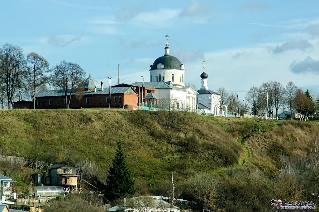 Алексин. Церковь на берегу Оки. Вид с моста