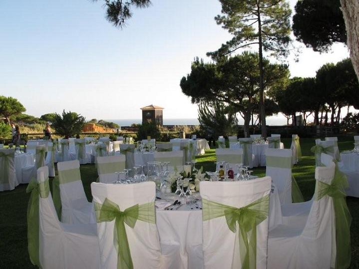 Sheraton Algarve - meal%2Bin%2Bgardens.png