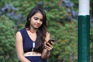 Girls ke ke sath mobile par baat kaise kare ? Or koi bhi padki se friendship kaise kare ?
