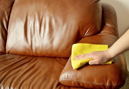 Mẹo làm sạch ghế sofa bằng chất liệu da trong ngôi nhà của bạn