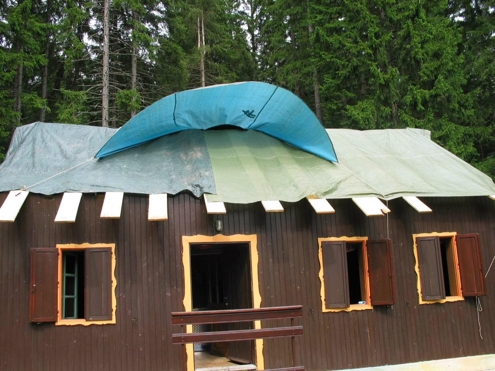 Delovna akcija - Streha, Črni dol 2006 - streha%2B163.jpg