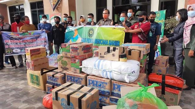 Keluarga Besar PN Palangka Raya Kirim Bantuan Korban Banjir Kalsel