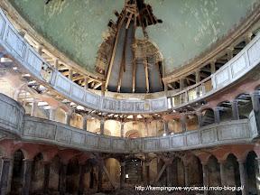 na zdjeciu atrakcja turystyczna w Żelichowie, ruiny kościoła ewangelickiego