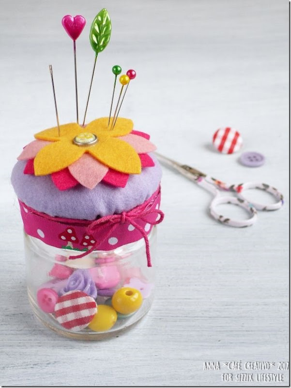 how-to-make-sewing-jar-with-pin-cushion