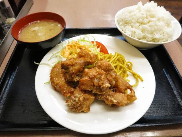 鶏の唐揚げ定食@ごはん大盛り