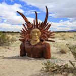 В пустыне вокруг города Borrego Springs установлены железные скульптуры