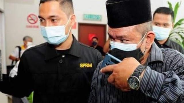 Bekas guru besar didakwa pecah amanah wang sumbangan zakat berjumlah RM 75,000