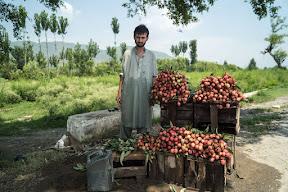 Lichees on sale on KKH Abbottabad