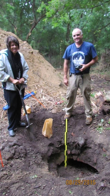 Event 2015: Archaeology Class & Dig at Emmendorfer Home - 022.JPG