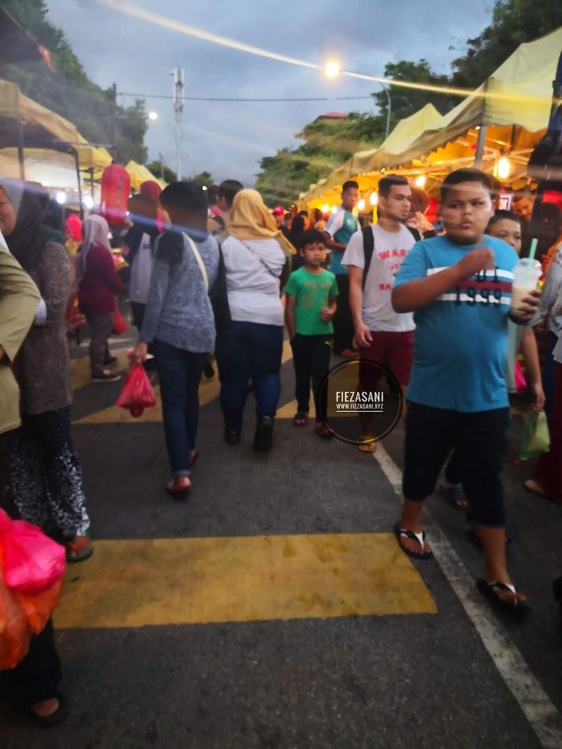Jalan-Jalan Cari Makanan Di Pasar Malam Pantai Dalam