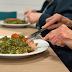 คนแก่เบื่ออาหาร! ปัญหาโลกแตกของคนดูแลผู้สูงอายุ