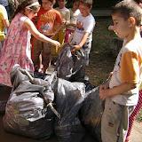 Actiune in colaborare cu Clubul Copiilor pentru pastrarea naturii curate - proiect educational - mai - DSC01751.JPG