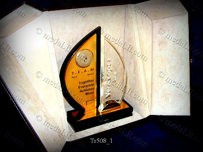 Tr.508A or B. Fluent. Get an instant quotation and brochure: http://goo.gl/N9ws9. The Topaz series. Luxury Personalized Trophies. Prices: http://goo.gl/QdlHA. Info: http://goo.gl/RTYYn. Absi Co. www.medaLit.com