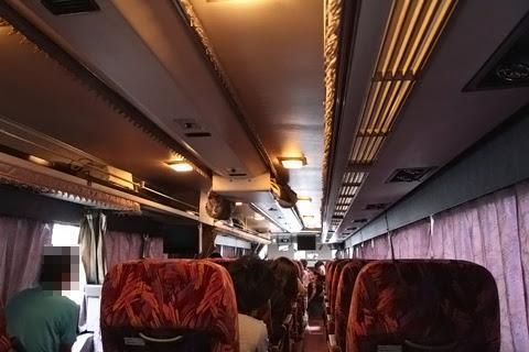 西鉄高速バス「さぬきエクスプレス福岡号」 3802<br />  車内 その3