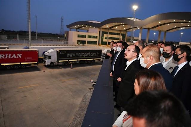 Ticaret Bakanı Mehmet Muş, İpsala Gümrük Kapısı'nda incelemelerde bulundu