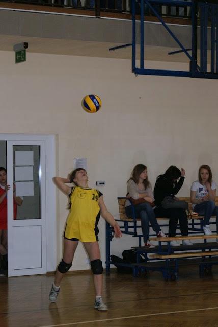 Zawody siatkarskie dziewczat 1 marca 2011 - DSC09312_1.JPG
