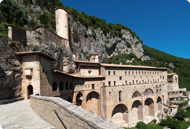 Subiaco-Monastero-di-San-Benedetto_raw