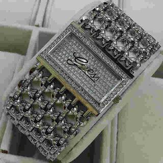 jam tangan Guess rantai segi silver logo
