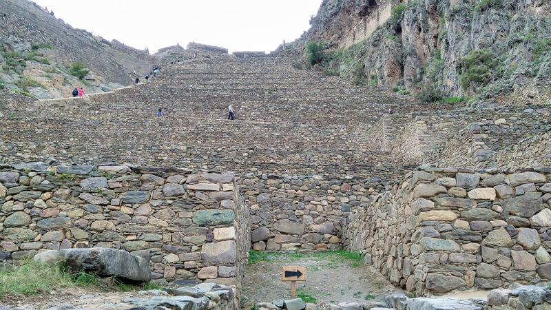 Ollantaytambo+ruins+incas+urabamba+valley+cusco+backpack+peru+south+america