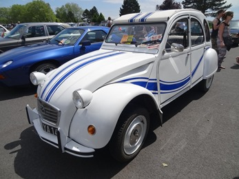 2018.05.27-024 Citroën 2 CV France 3 (14h30)