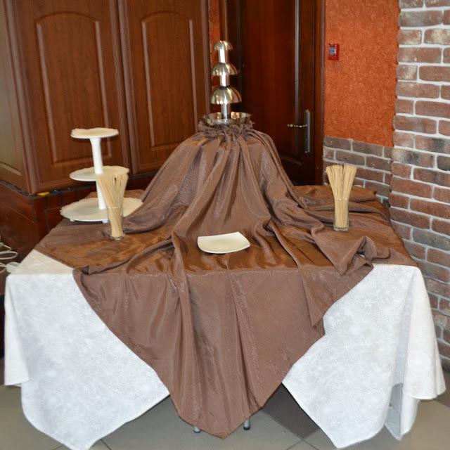 Шоколадный фонтан на свадьбе в Невьянске