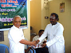 Dr.T.N.Kuppusamy receiving the Momento from Shri.ANMR.Ganesh Babu :: Date: May 14, 2007, 11:11 AMNumber of Comments on Photo:0View Photo