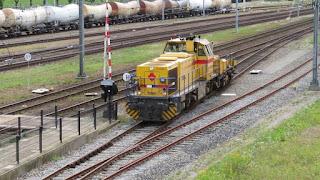 STR 303007 met Annet meetinstallatie op station Lage Zwaluwe op 12-07-2016_001