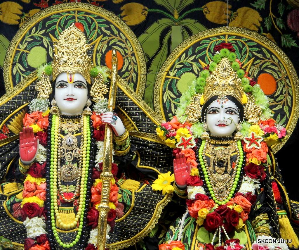 ISKCON Juhu Sringar Deity Darshan on 31st Dec 2016 (25)