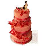 18. kép: Esküvői torták - Esküvői három szintes vőlegény és menyasszony figurás torta