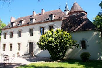 château à Montmarault (03)