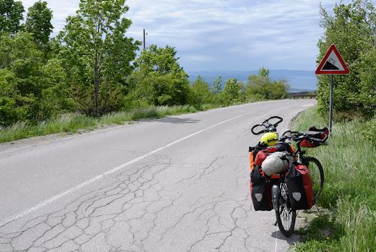 Steile Abfahrt von Zlobir nach Hreljin