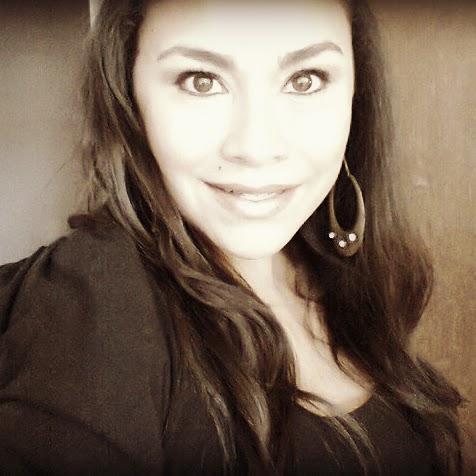 Laura Valenzuela Photo 36