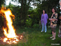 Fire-ritual for releasing old stuff, watch the figure of the fire!