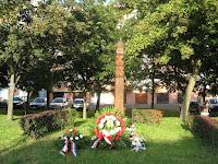 04Szent István Park Sátoraljaújhely_Szent István kopjafa.jpg