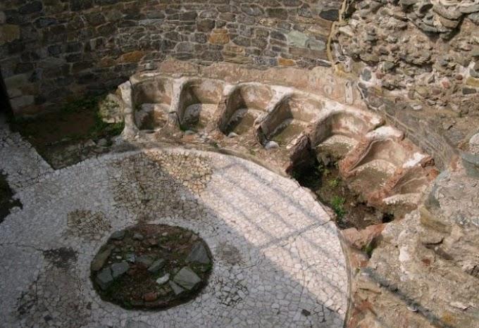 Θεσσαλονίκη  : Ευρήματα που μαρτυρούσαν την ύπαρξη  κοινωνικής συναναστροφής στην αρχαία αγορά .