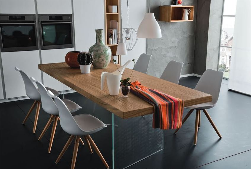 tavolo legno con basi in vetro.JPG