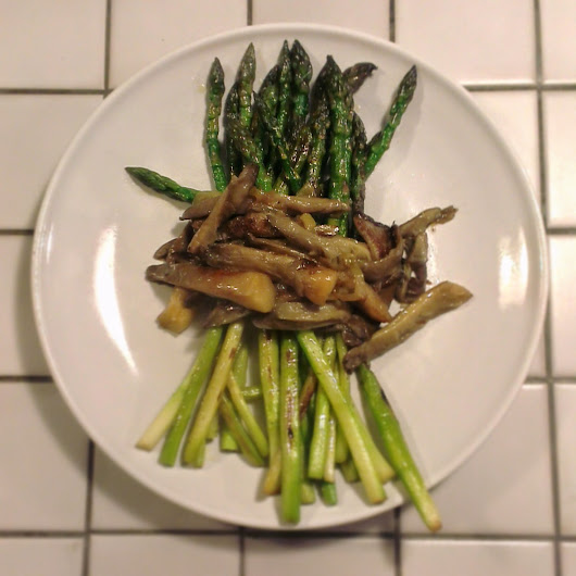 Seasonal: grilled asparagus with oyster mushrooms