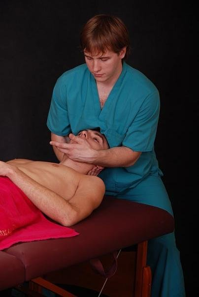 Ken Lingu Massage Therapist 6, Ken Lingu