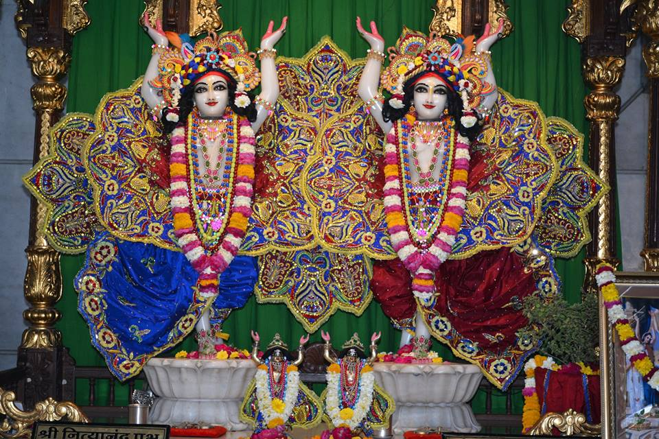ISKCON Ujjain Deity Darshan 30 Mar 2016  (16)