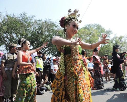 Berita foto video sinar ngawi terkini: Karnaval Tujuh Belas Agustusan di Ngawi makin meriah