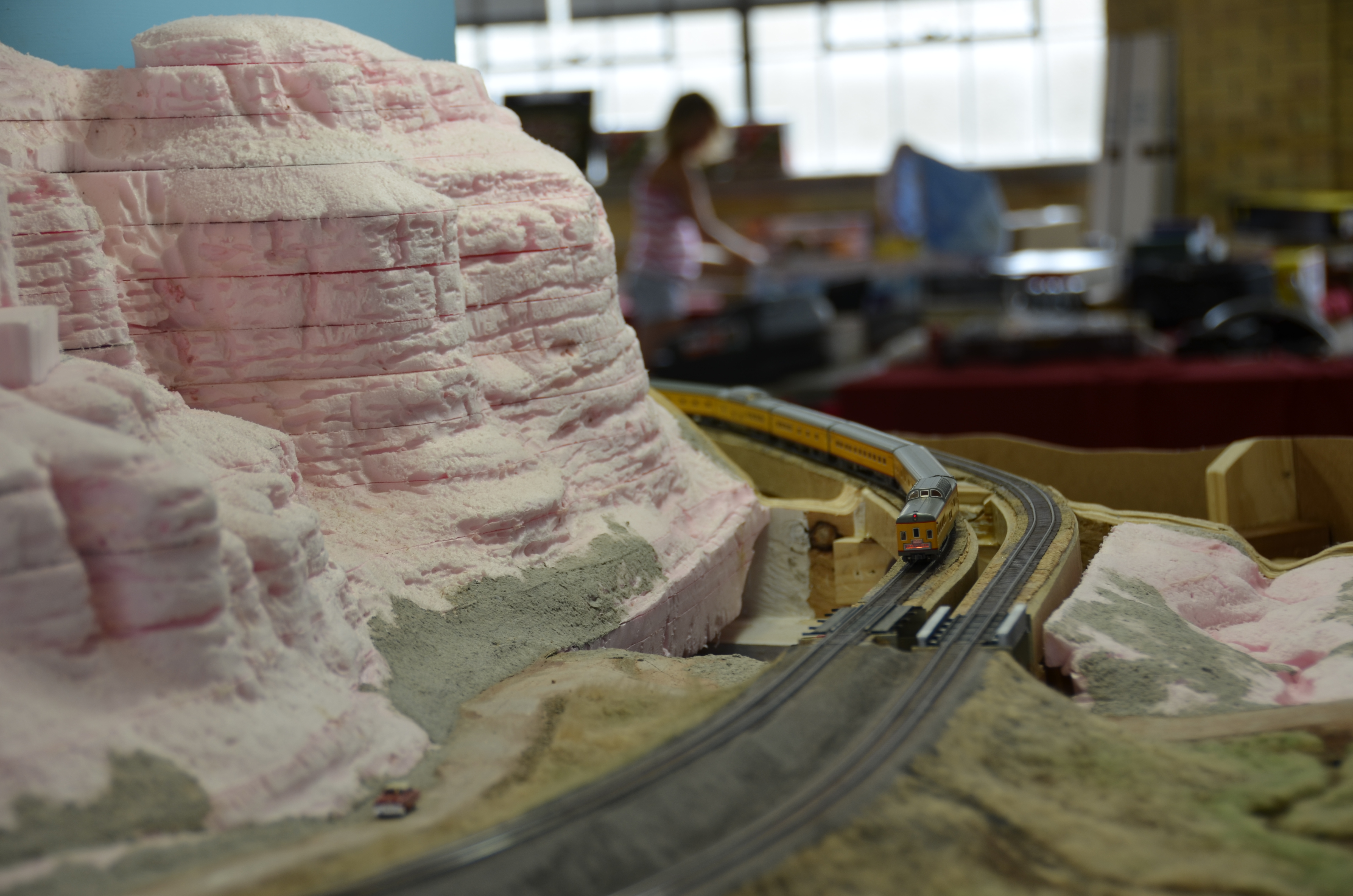 Modeling rock faces and outcroppings. need help. trainboard.com