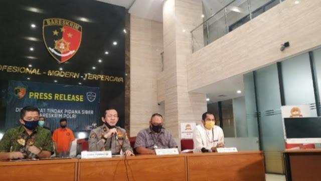 Polisi Tangkap Pembobol Data Pribadi Denny Siregar.