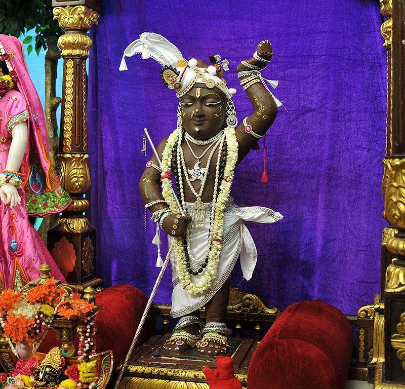 ISKCON Chowpatty Deity Darshan 11 May 2016 (22)