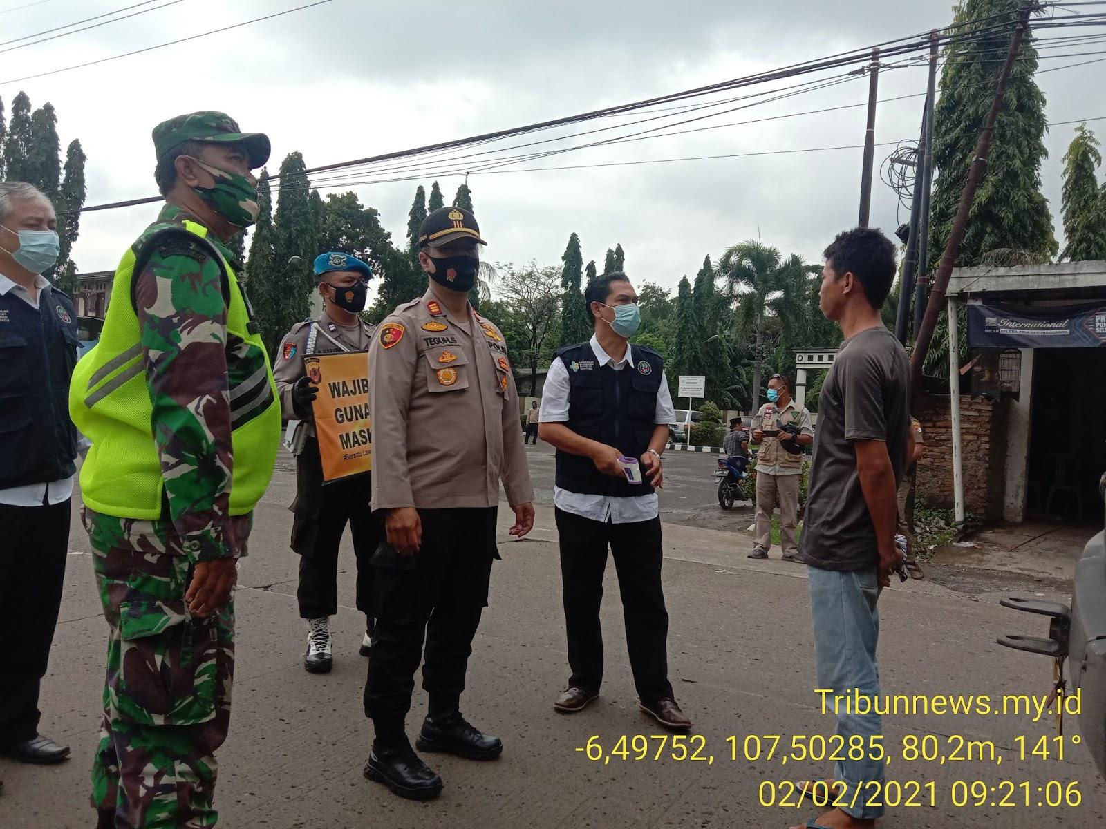 Penegakan PPKM, Muspika Campaka bersama Anggota Banser Menggelar Operasi Yustisi