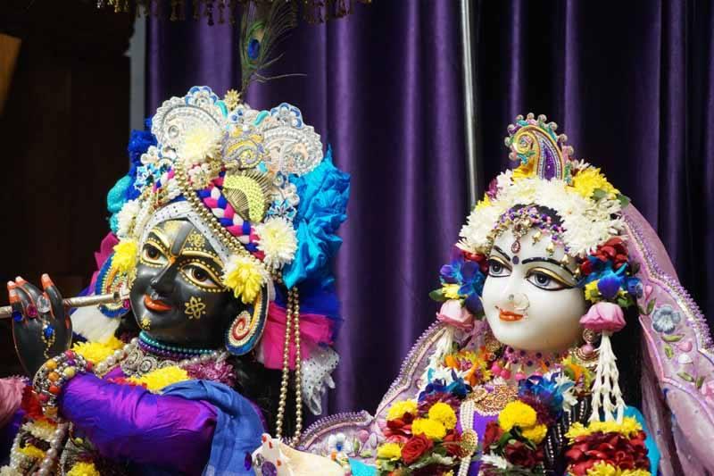 ISKCON Noida Deity Darshan 19 Dec 2015 (8)
