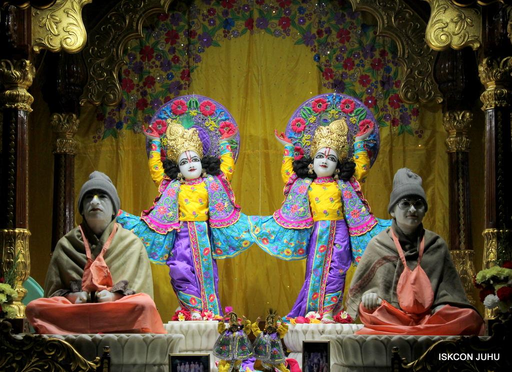 ISKCON Juhu Mangal Deity Darshan on 19th Jan 2017 (32)