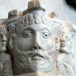 Vallée du Rhône - Chapiteau (marbre, 12e siècle)