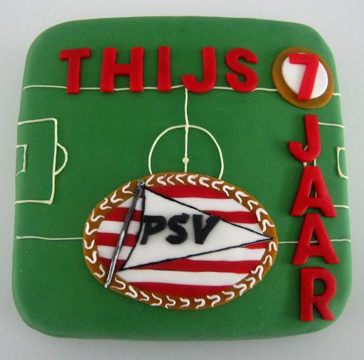 975-P.S.V logo taart Thijs.JPG