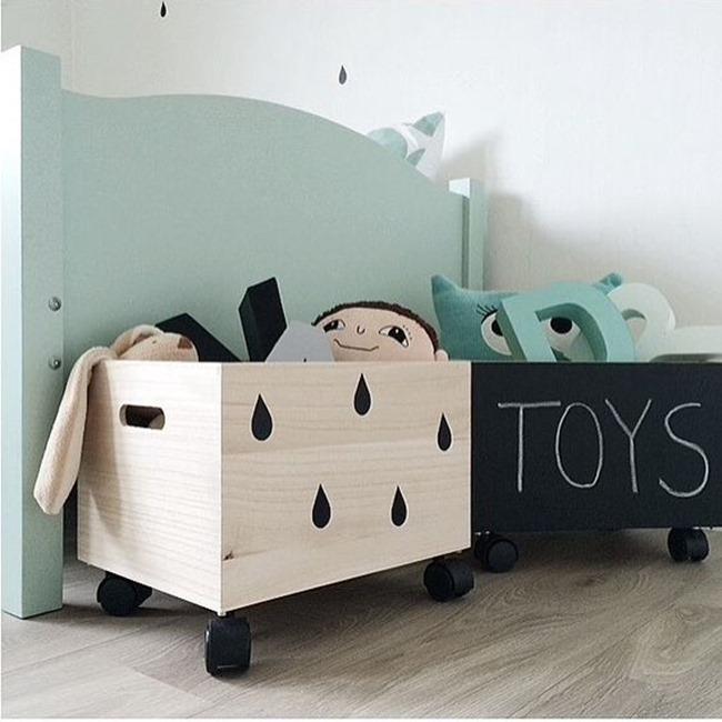 scatole_legno_con_rotelle